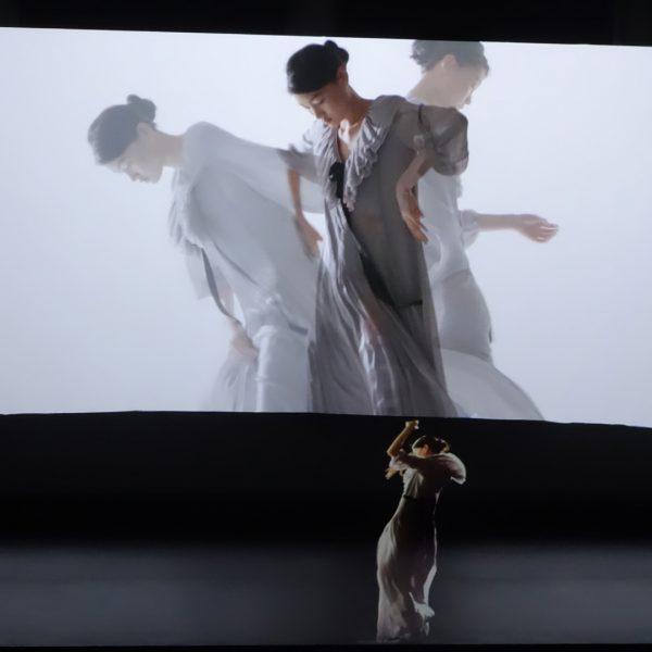 Massimo Dutti Holographic Fashion Show